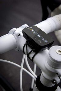 Radar para bicicleta que te avisa cuando un coche se acerca por delante o por detrás.