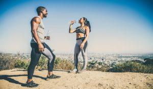 5 características de las mujeres deportistas para enamorar a los hombres